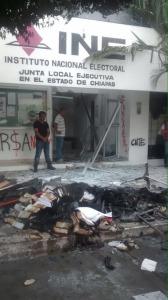 Destrozos y toma de gasolineras de Tuxtla.