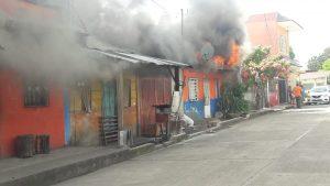 Incendio en Cacahuatan conaume vivienda .