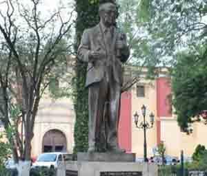 DR. MANUEL VELASCO SUAREZ.